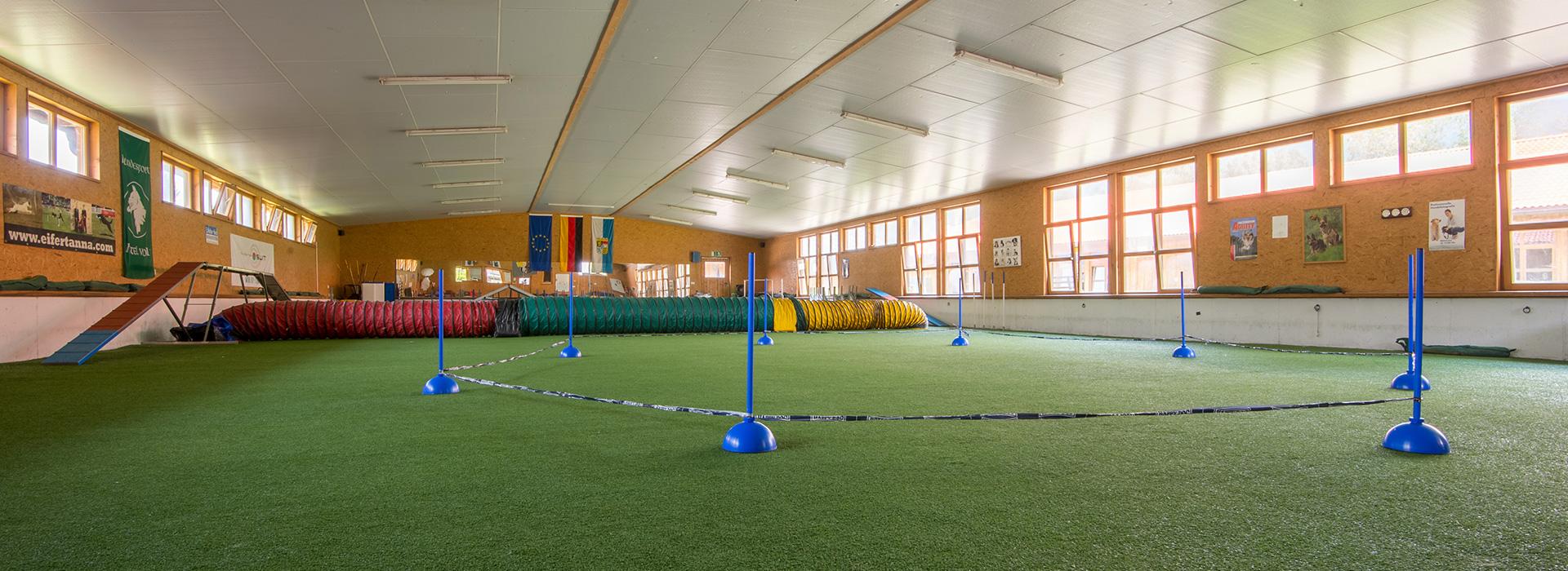 HalleA - Hundesporthotel Wolf in Bayern
