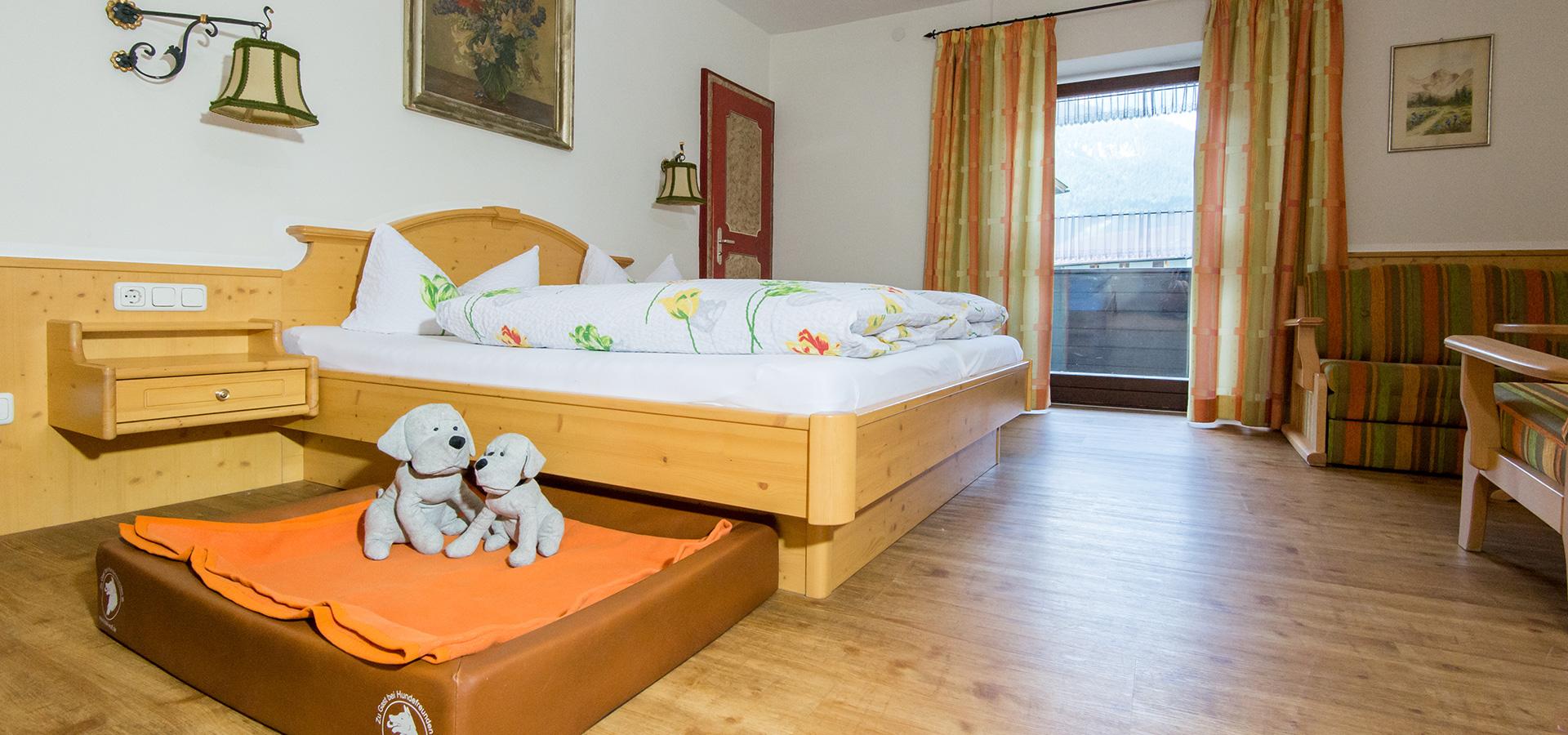 Hotelzimmer Mit Dusche Im Zimmer : Urlaub mit Hund im Hundehotel Wolf – Hotelzimmer