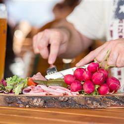 Bayerische Brettljause - Kulinarik im Restaurant in Oberammergau