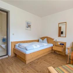 Zimmer 40 / 41  Einzelzimmer im Nebenhaus Kat. 1